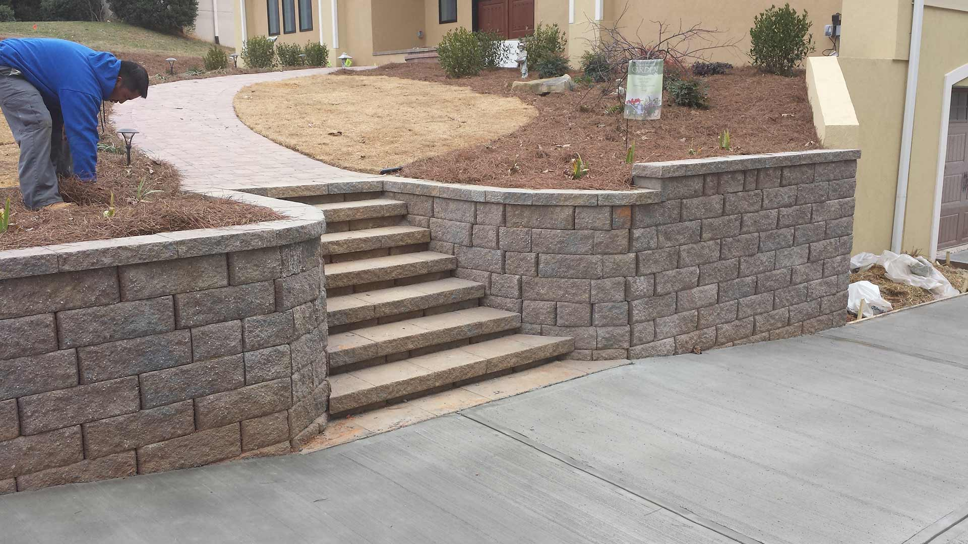 3 Types of Retaining Walls For Your Landscape